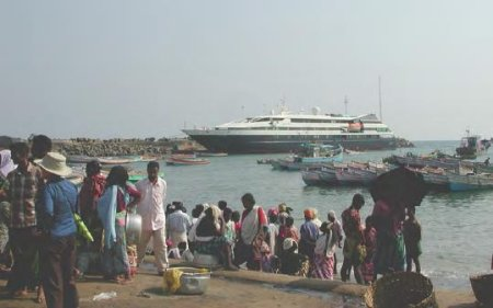 Le Levant docked in Vilijam