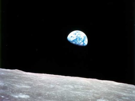 apollo_8_earthrise_2