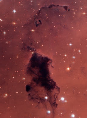 Interstellar dust in NGC 281